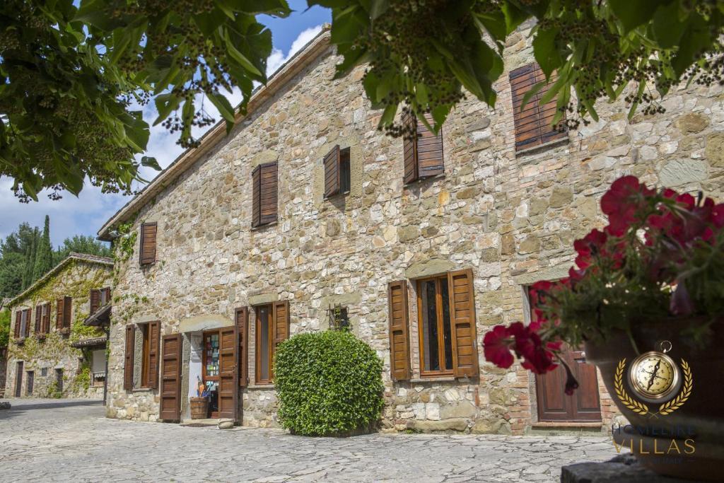 Villa Antico Incanto, green walls surrounded by pure nature