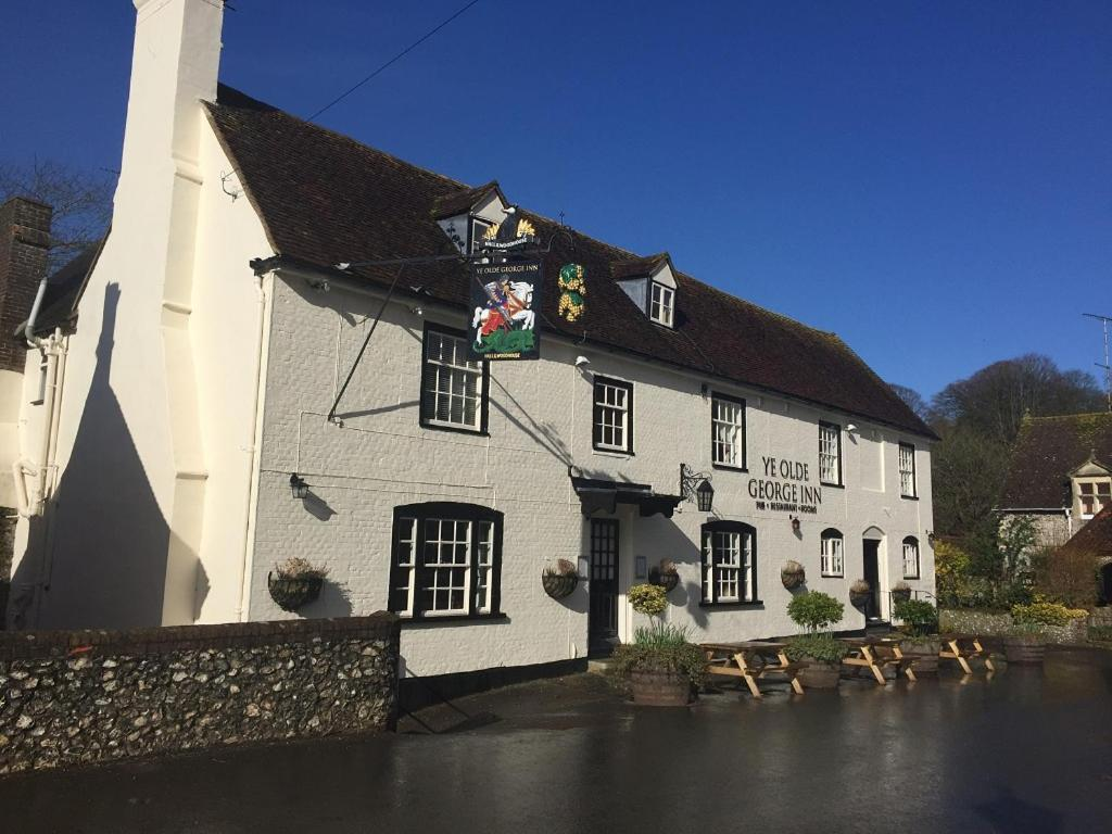 Ye Olde George Inn - Badger Pubs in Privett, Hampshire, England