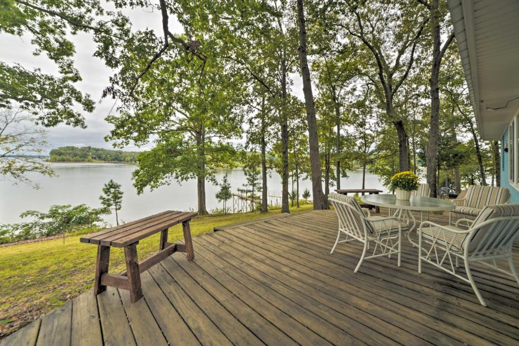 Kentucky Lake Cabin with Private Dock & Fire Pit