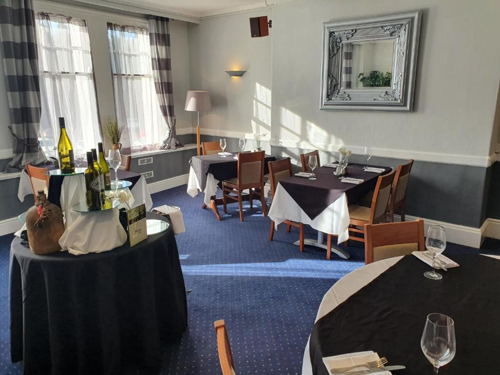A restaurant or other place to eat at Best Western Stoke on Trent City Centre Hotel