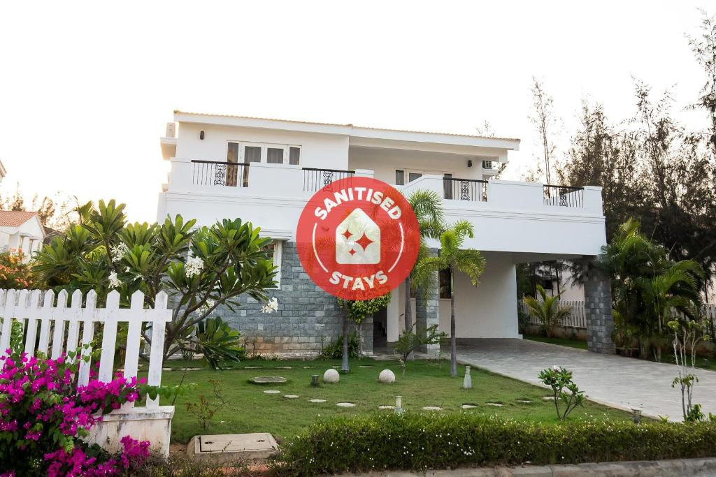 Capital O 40286 Lush Garden Resort