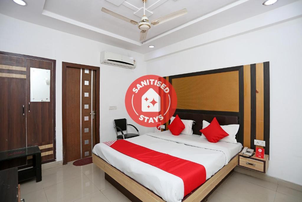 Hotel Gwal Palace
