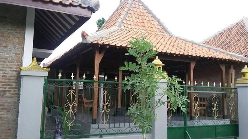 Ganjuran Indah Inn