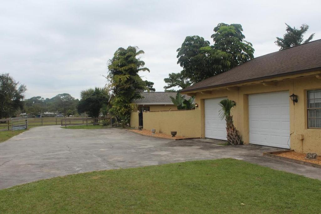 OYO Ponderosa Pinewood Ranch at Melbourne FL