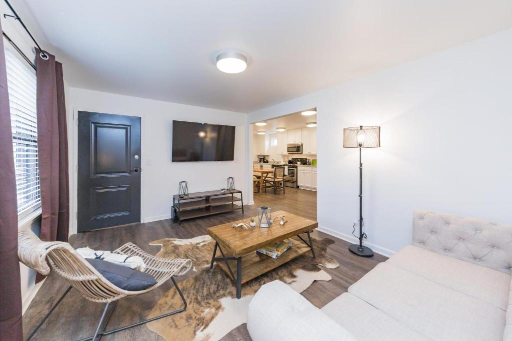 Jurny Close To Music Row 4 Bedroom Apartments Nashville Updated 2021 Prices