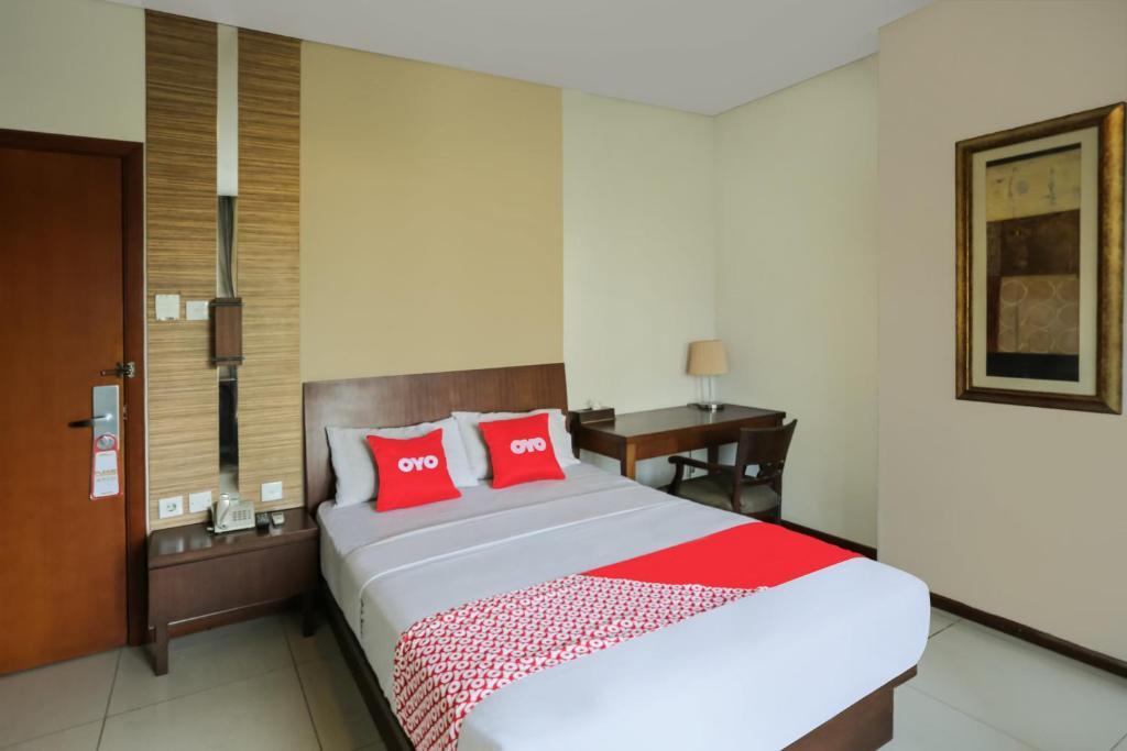 A room at Capital O 1748 Thamrin Condotel