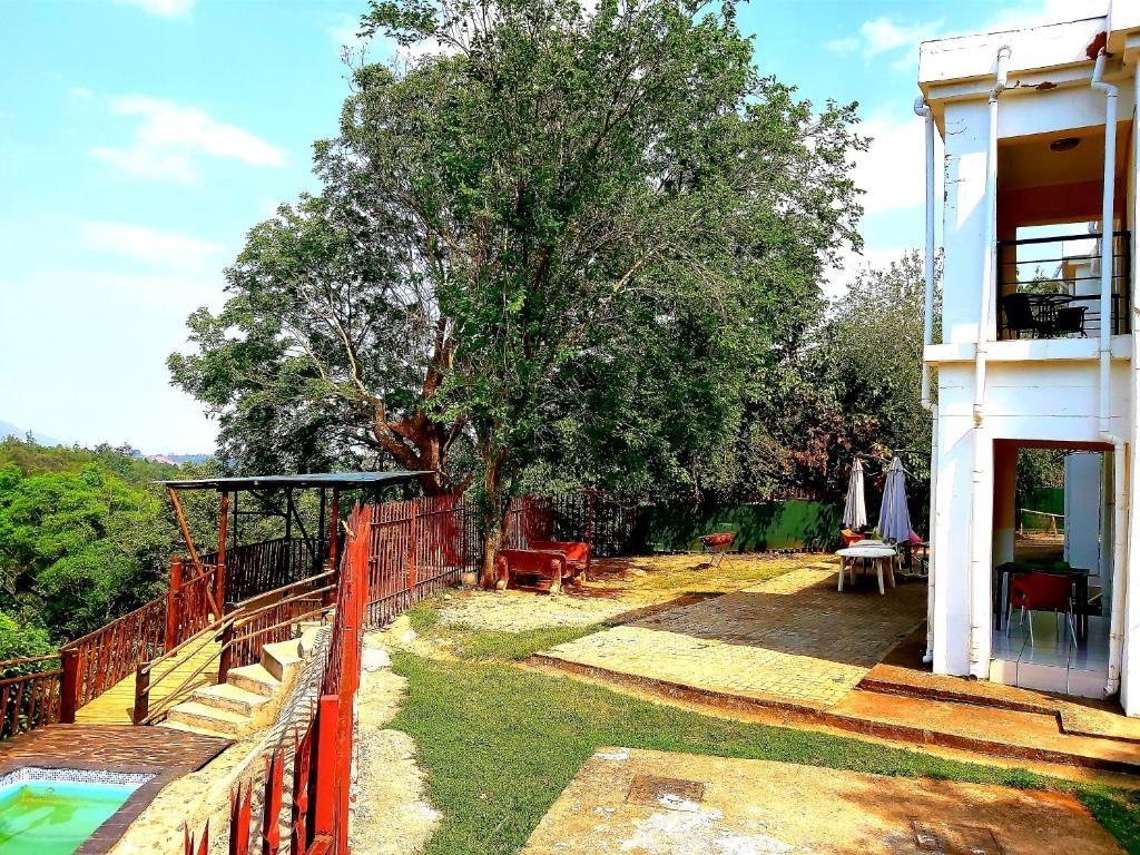 Ein Garten an der Unterkunft Thula Du Estate