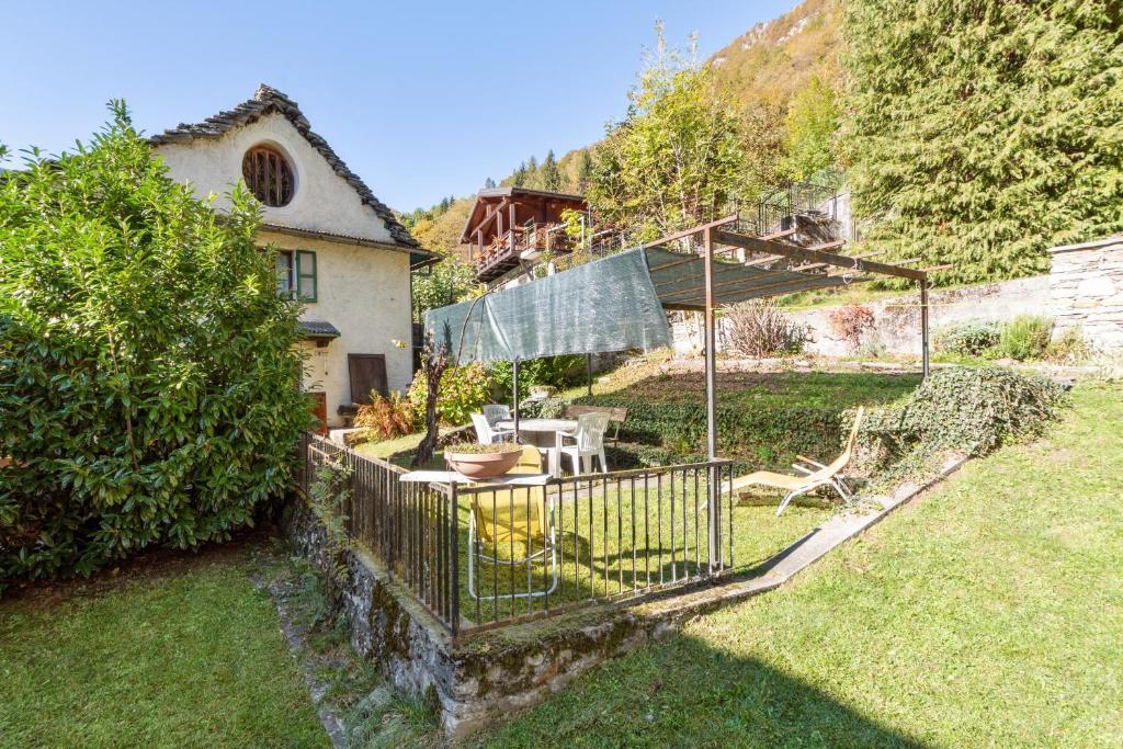 Vanzone Historic House with garden