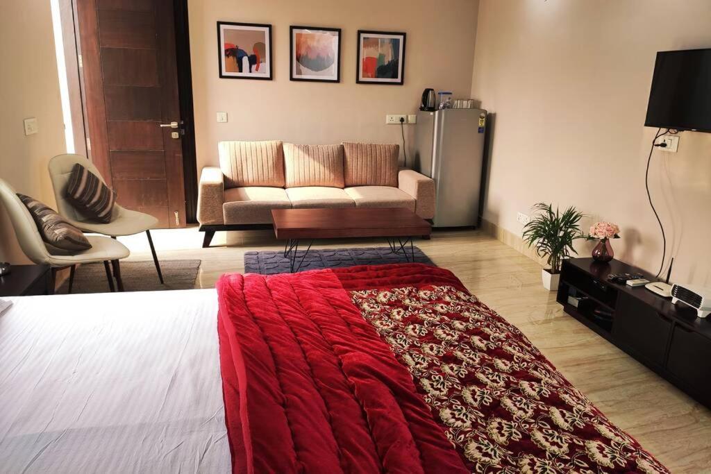 Modern Room w/Bathtub &balcony