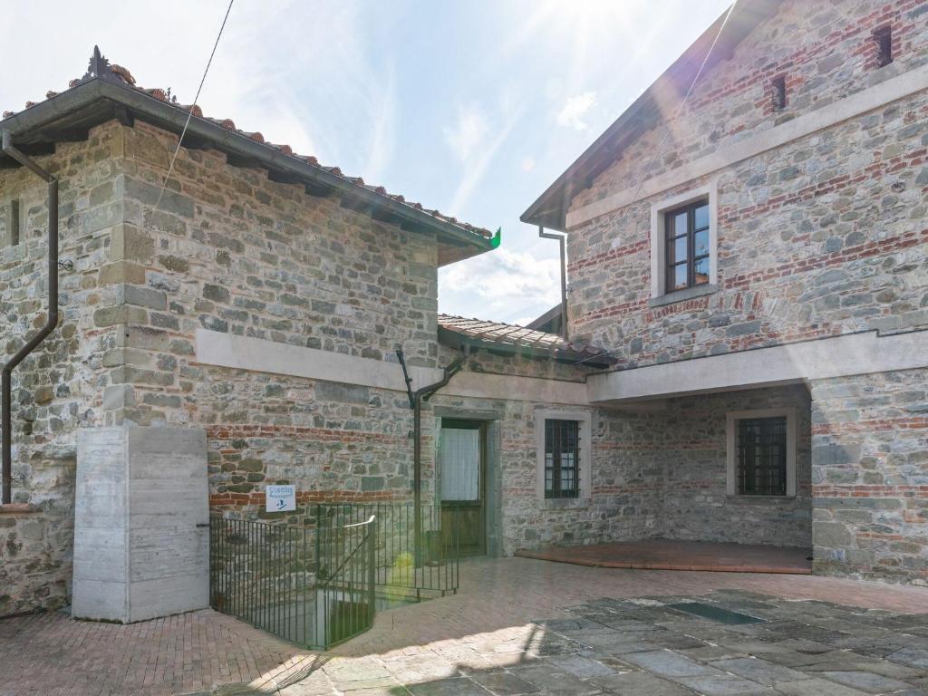 Castello di Pratogrande