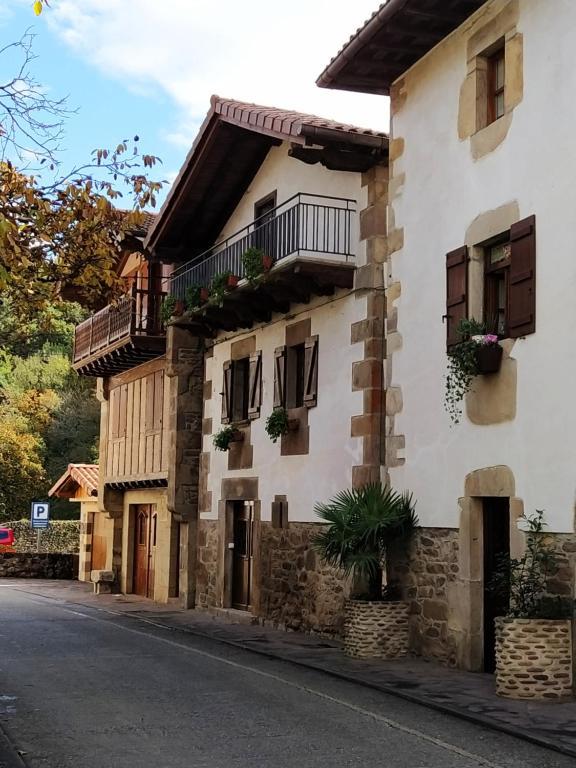 Casa Rural Mizkerrenea, Ituren, Navarra