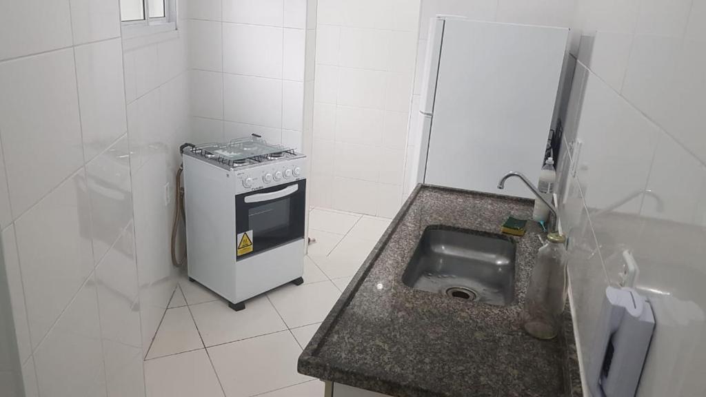 Apartamento 2 dorm na Guilhermina com tudo novo, Localização Incrível!