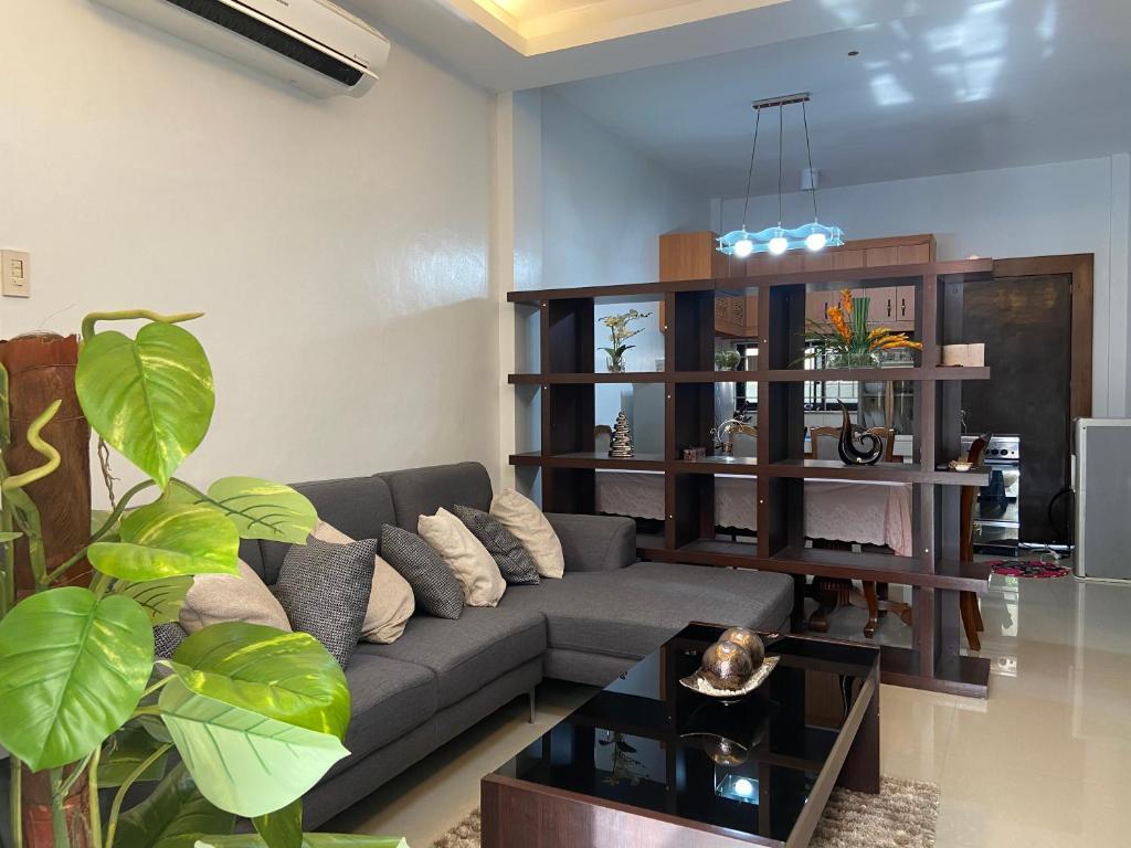 L'Hyacinth Apartment