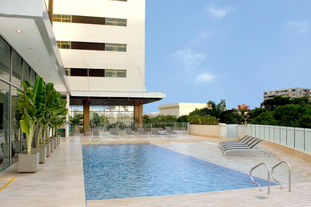 The swimming pool at or near Estelar Apartamentos Barranquilla