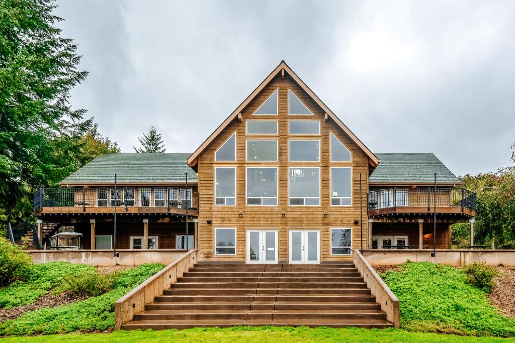 The Lodge at Diamond Woods