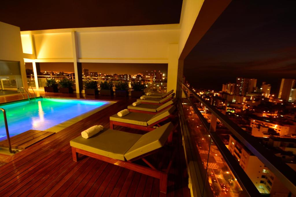 A view of the pool at Dazzler by Wyndham Lima Miraflores or nearby