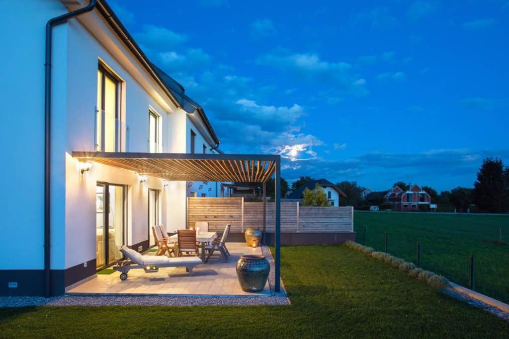 Luxury 360° Mountain View House with Garden