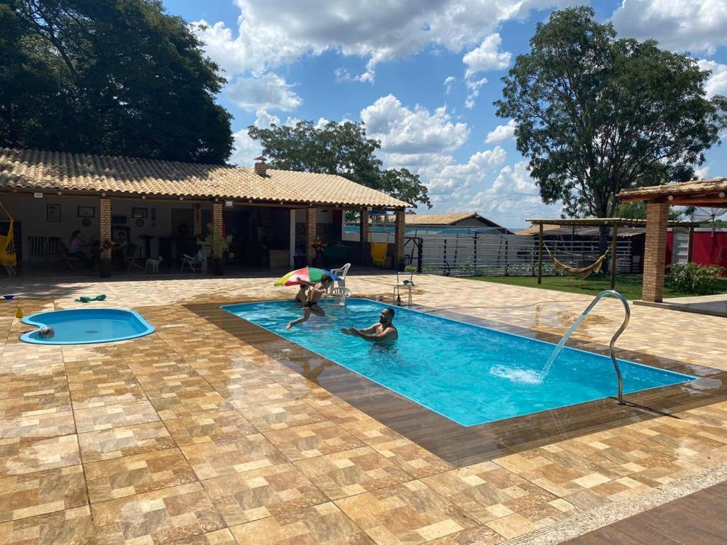 Linda chácara com piscina 20 minutos de Divinópolis