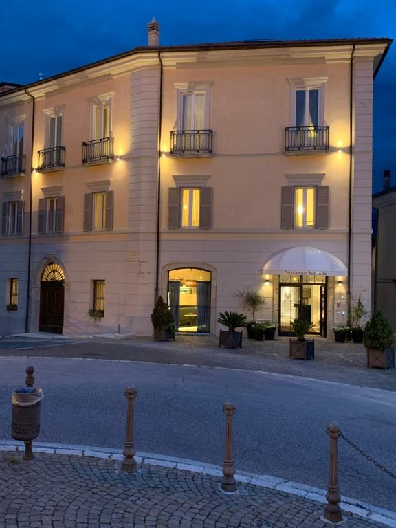 Hotels In Gallinaro