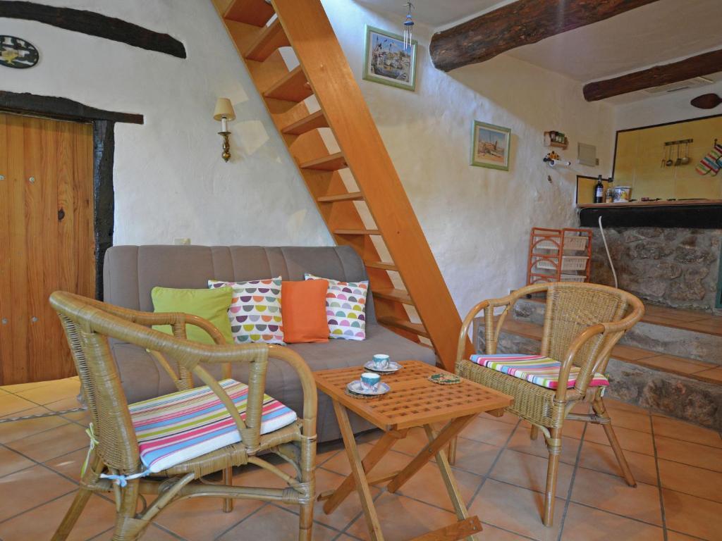 Beautiful Villa in Fenouillet France with Terrace
