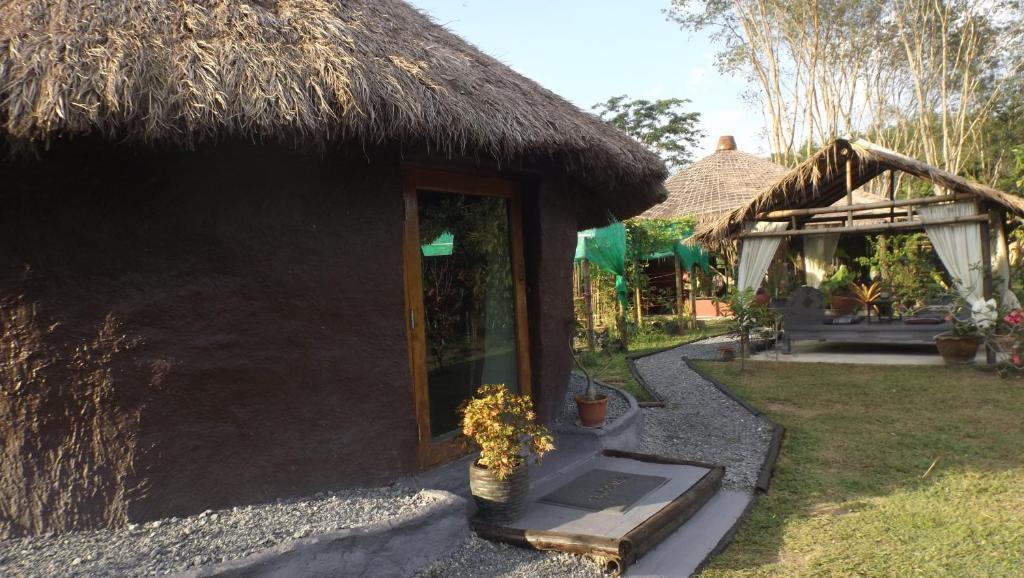 Baan Farang Homestay Phra Saeng