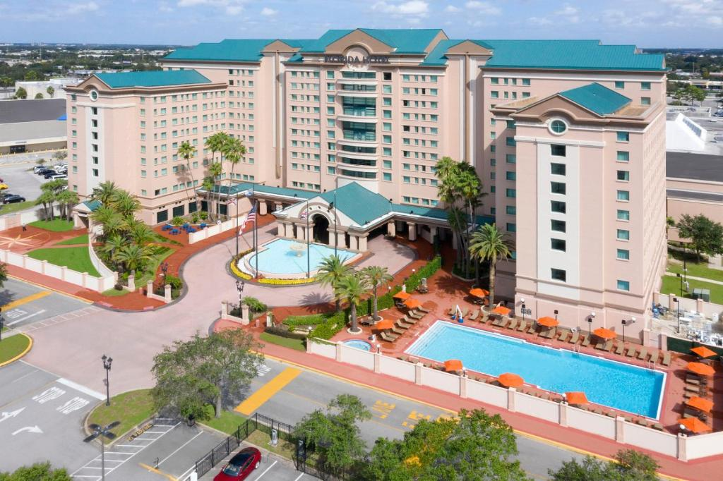A view of the pool at The Florida Hotel & Conference Center in the Florida Mall or nearby