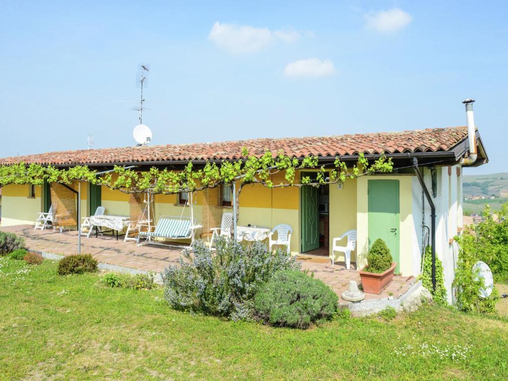 Rustic Farm Apartment in Santa Maria della Versa