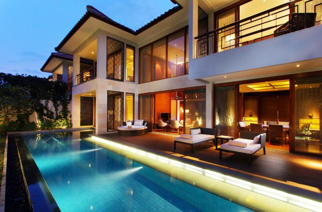The swimming pool at or near Fairmont Sanur Beach Bali Suites & Villa