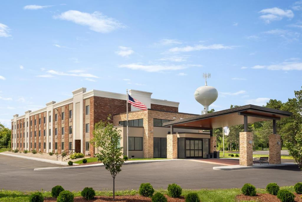 Holiday Inn Express - Plattsburgh