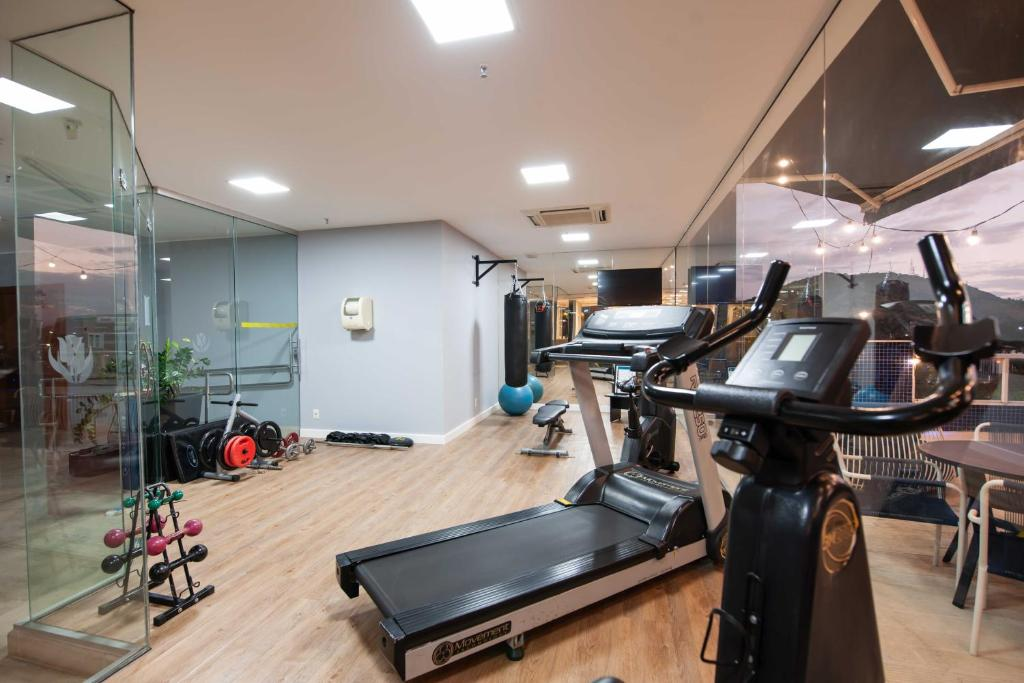 The fitness center and/or fitness facilities at Golden Tulip Porto Vitória