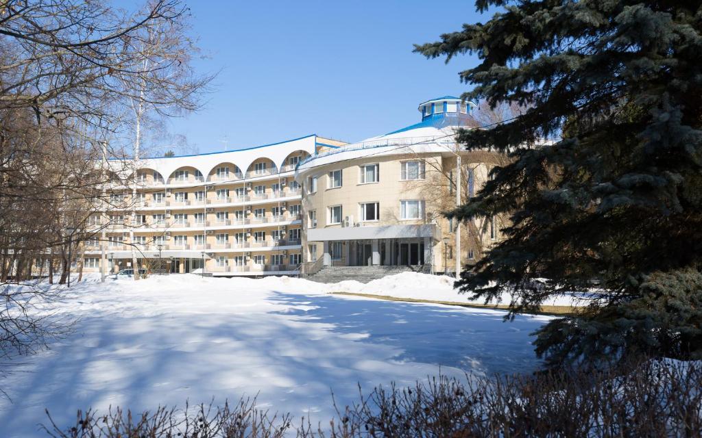Vozdvizhenskoe Park Hotel during the winter