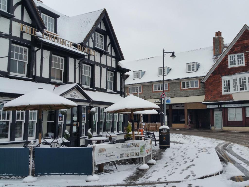 The George Hotel Pangbourne during the winter