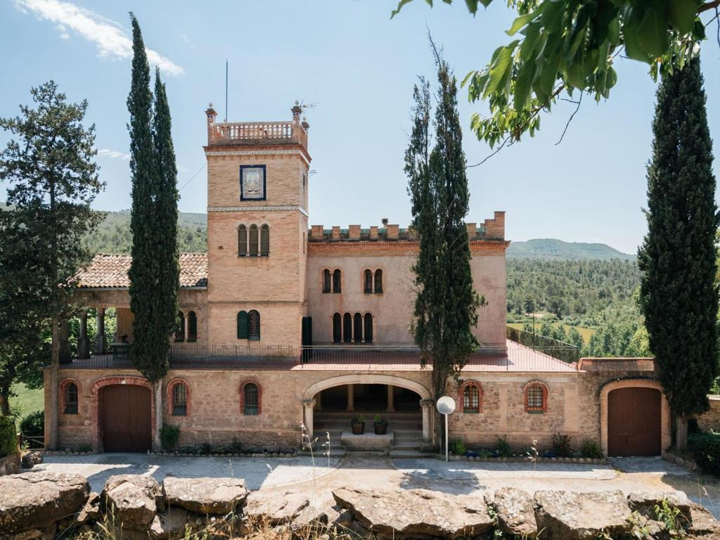 Modern Cottage in Castellnou de Bages with Forest Nearby