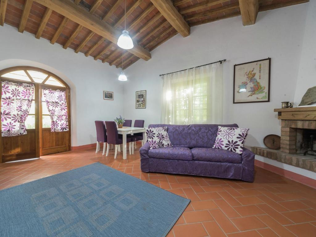 Heritage Holiday Home in Rosignano Marittimo with Garden