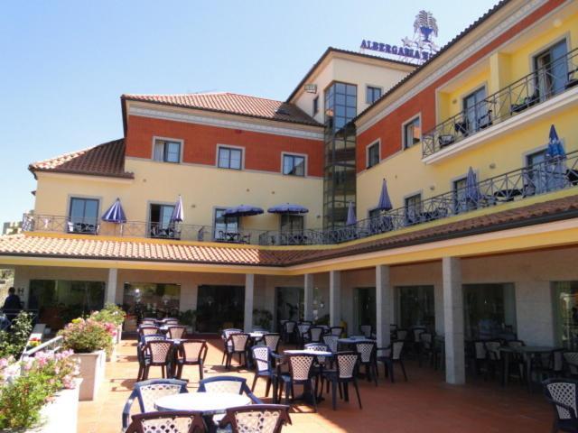 Um restaurante ou outro lugar para comer em Hotel Nossa Senhora da Saude