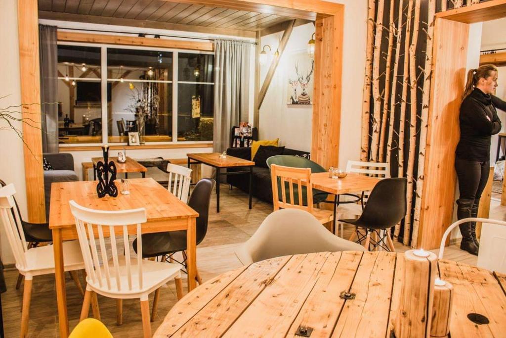 Restauracja lub miejsce do jedzenia w obiekcie Dom Numer 127