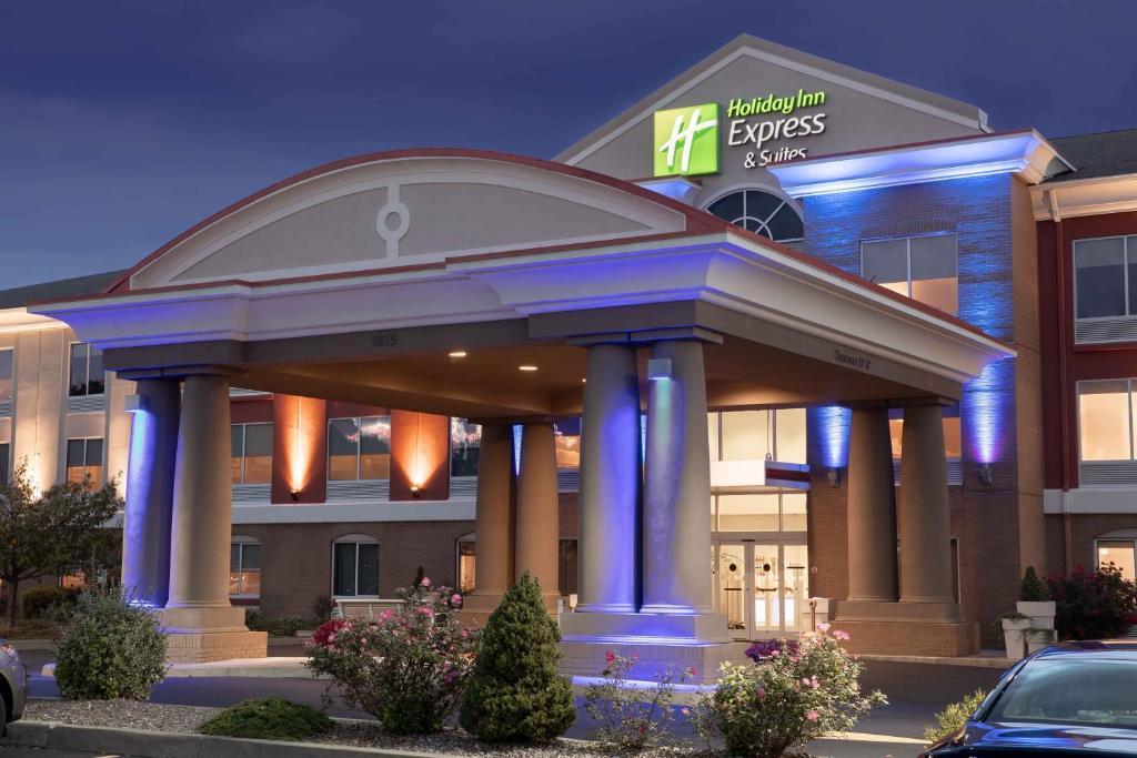 Binghamton Calendar 2022.Holiday Inn Express Hotel Suites Binghamton University Vestal An Ihg Hotel Vestal Updated 2021 Prices