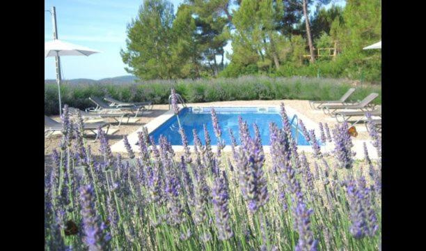 Pontons Villa Sleeps 6 with Pool