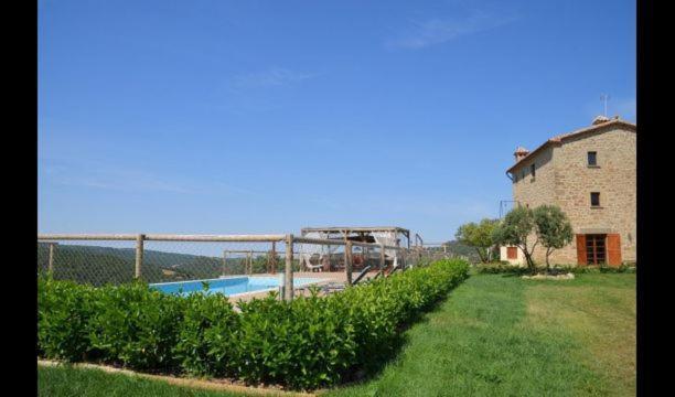 Biosca Villa Sleeps 10 with Pool