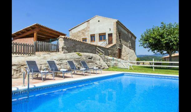 Sagas Villa Sleeps 17 with Pool