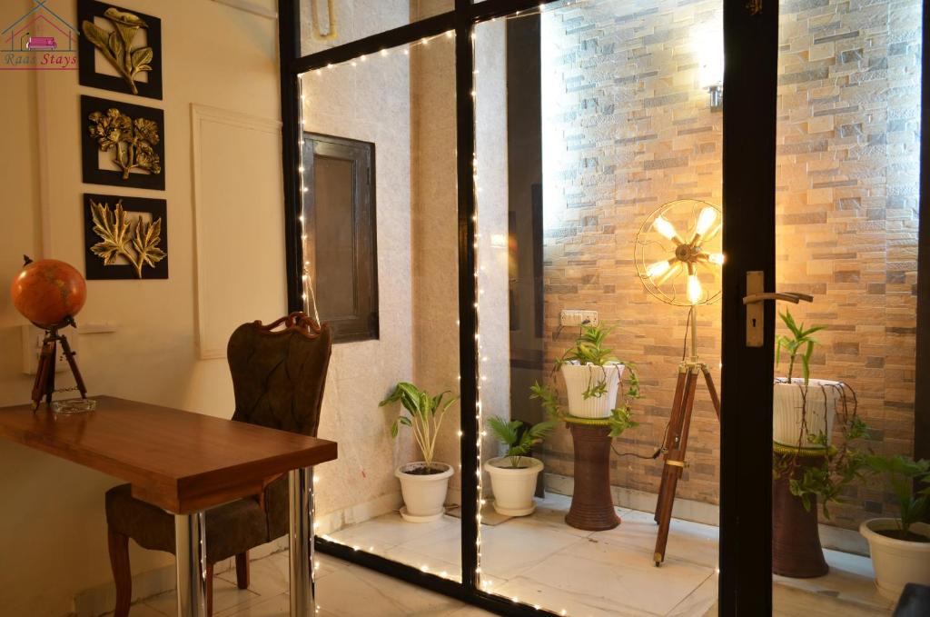 Raas Fully Furnished 2BHK Independent Apartment 7 in Greater Kailash - 1