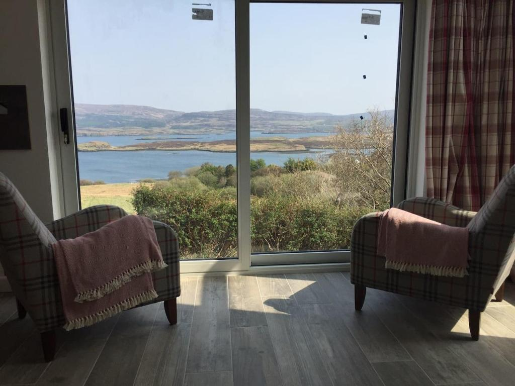 A seating area at Bird Song Bothy