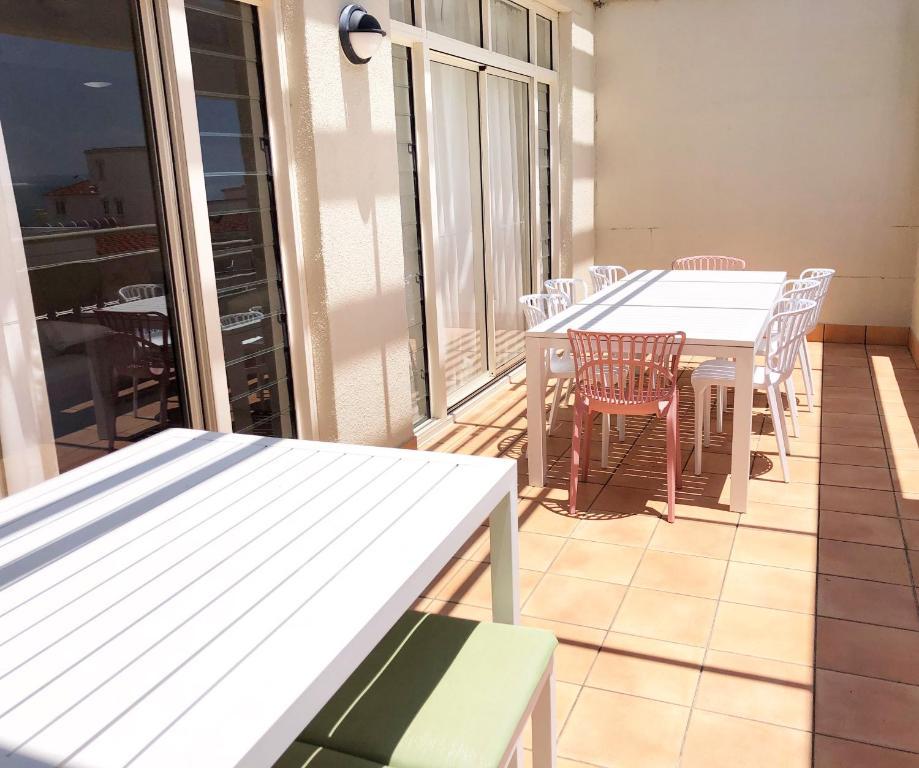 A balcony or terrace at Seaspray Villa 5