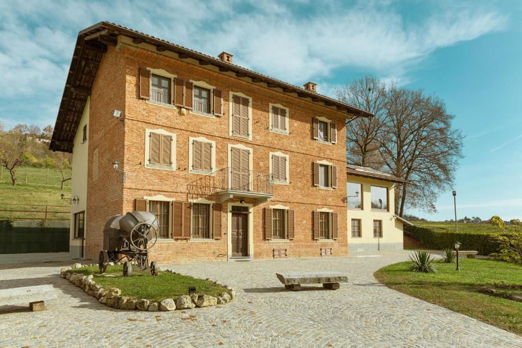 Hotels In Montechiaro D'asti