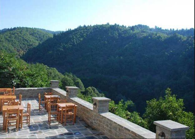 Γενική θέα στο βουνό ή θέα στο βουνό από  αυτό το ξενοδοχείο διαμερισμάτων
