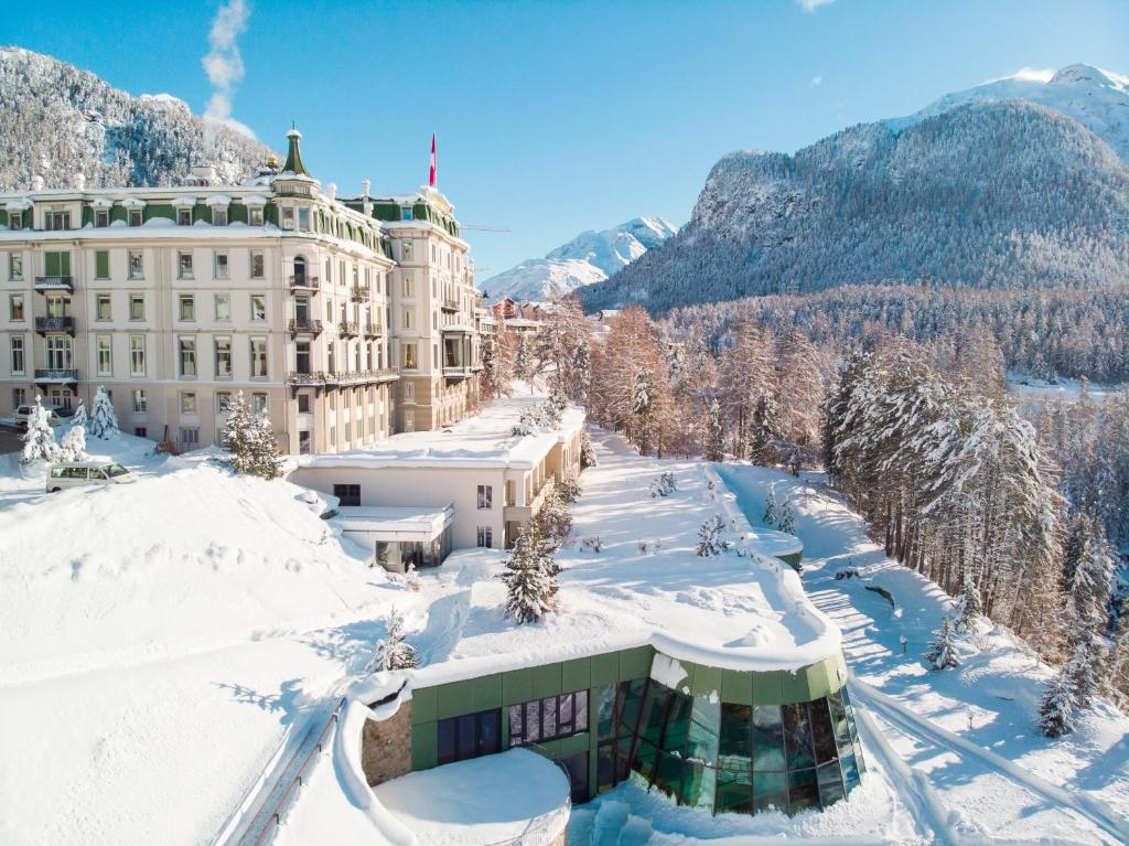 Grand Hotel Kronenhof during the winter