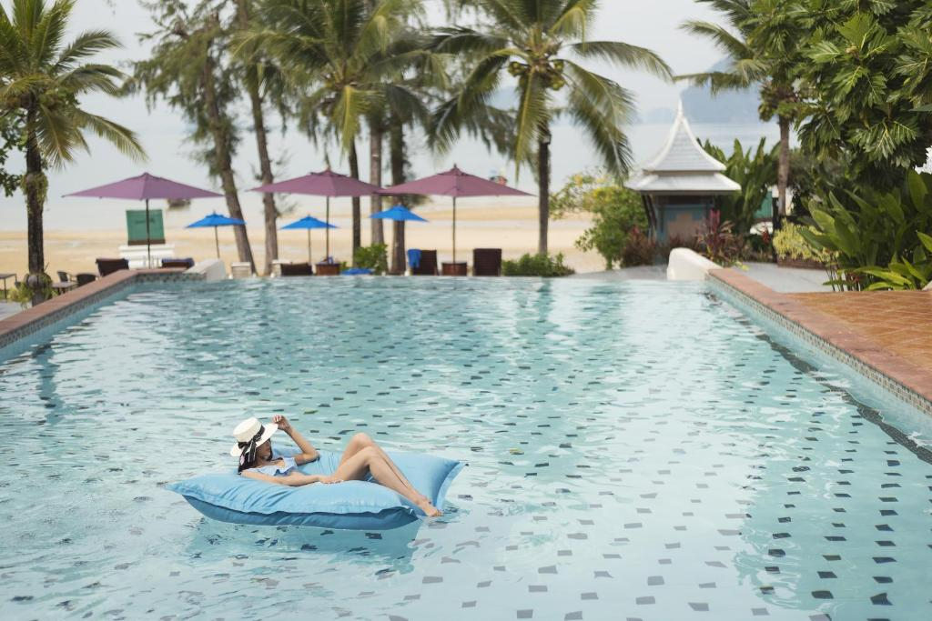 The swimming pool at or near Anyavee Tubkaek Beach Resort