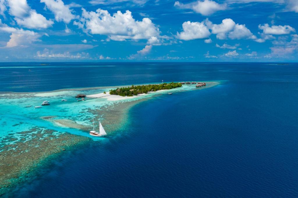 A bird's-eye view of Mirihi Island Resort