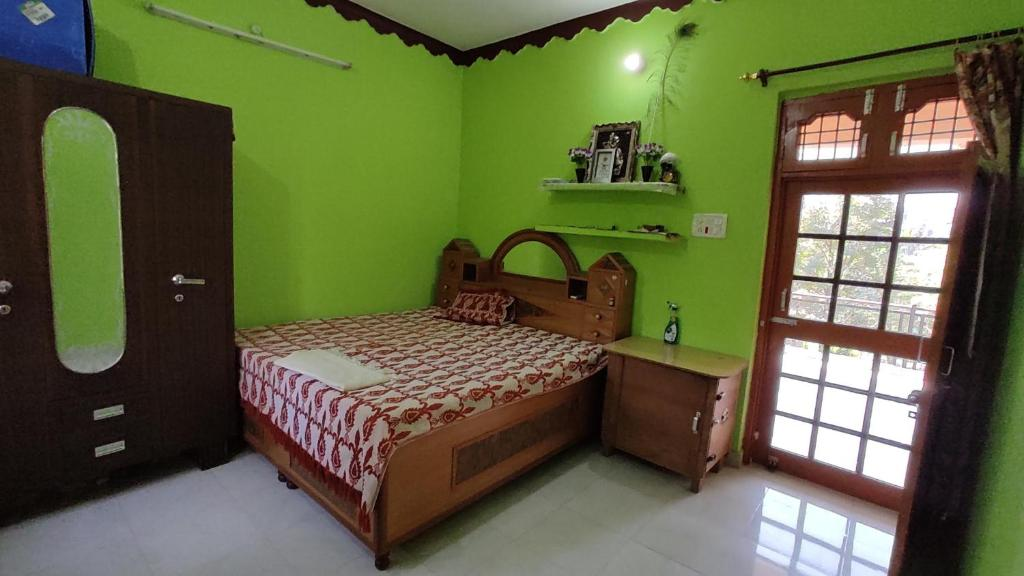 Natural den Homestay-In d lap of Nature