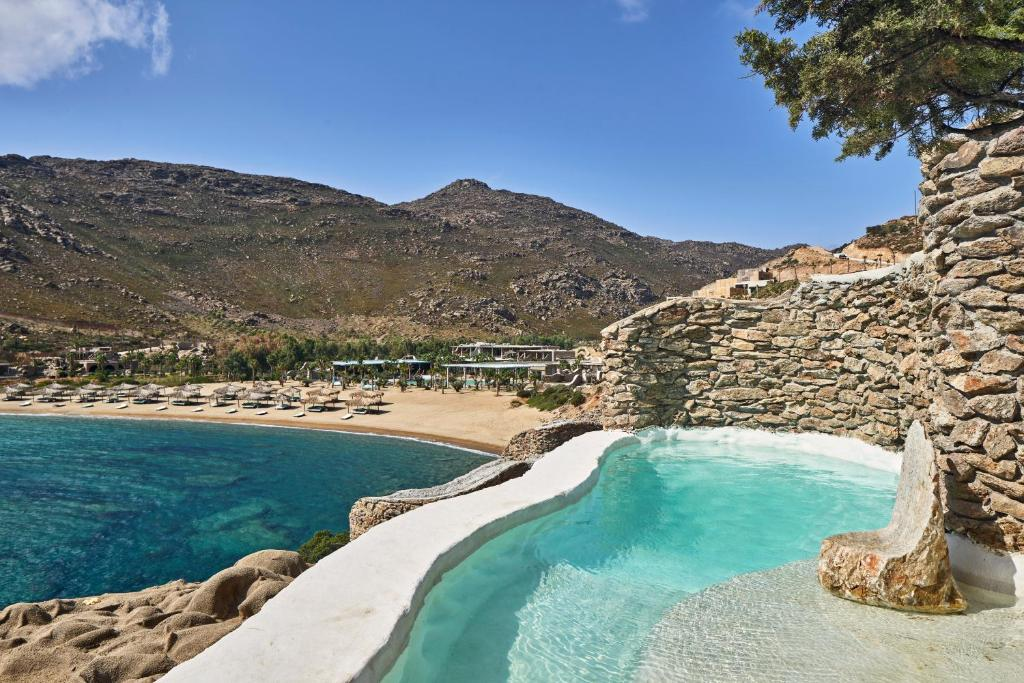 The swimming pool at or near Calilo
